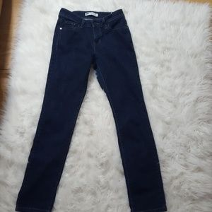 Mid rise skinny size 4 levis
